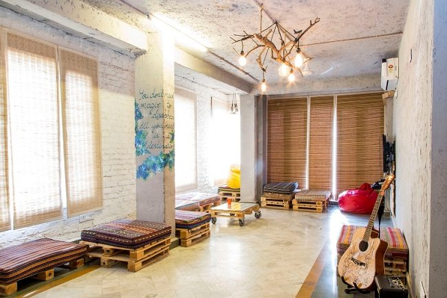 Pinning the best hostels on the Indian map